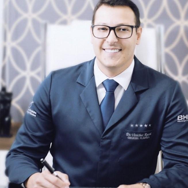 Dr. Vinicius Russi Cirurgião Plástico
